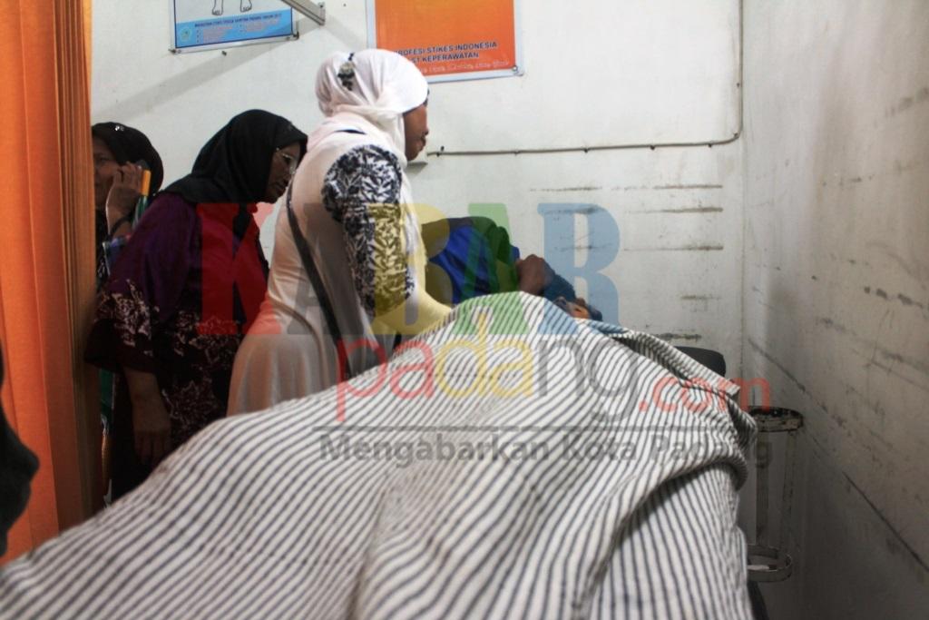 Saat Keluarga Melihat Jenazah Korban di Rumah Sakit /AG