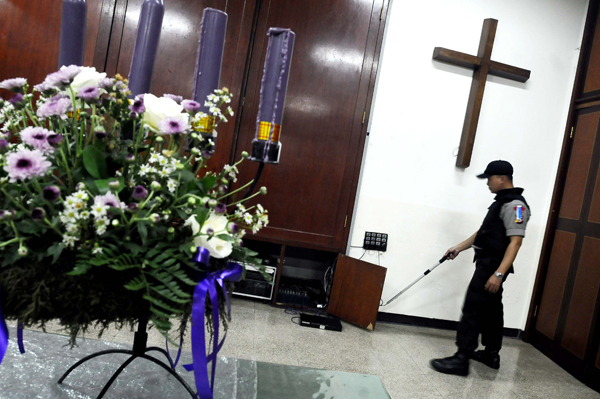 Polda Sumbar Sterilisasi 9 Gereja Kota Padang