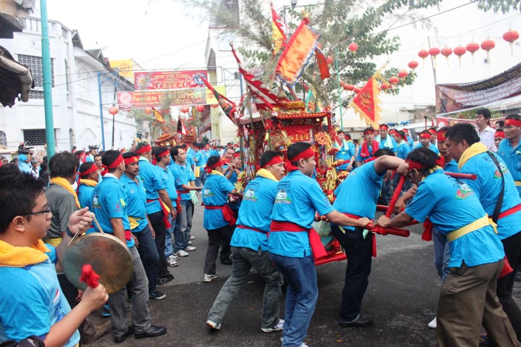 Perayaan Cap Go Meh di kawasan Pondok, Kota Padang. FOTO/HUDA PUTRA