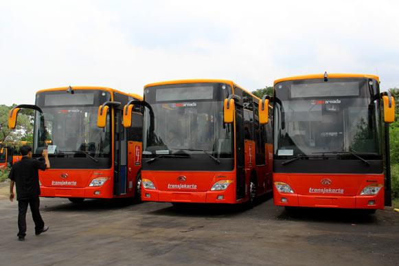 Bus TransJakarta.