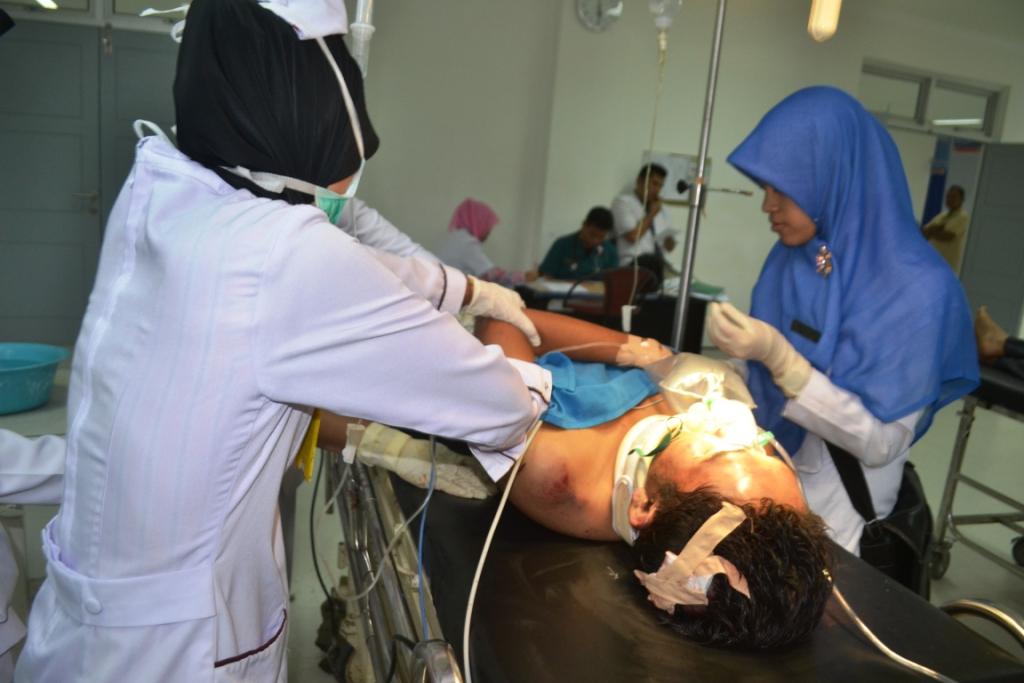 Pelaku saat mendapatkan perawatan intensif di Rumah Sakit M. Djamil Kota Padang. FOTO/G
