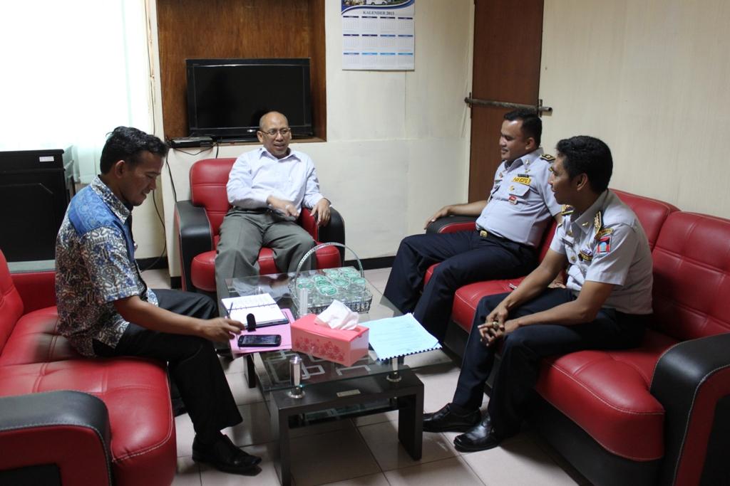 Pertemuan Dinas Perhubungan Kota Padang dengan Ombudsman Sumbar terkait pelayanan bus Trans Padang. FOTO/H