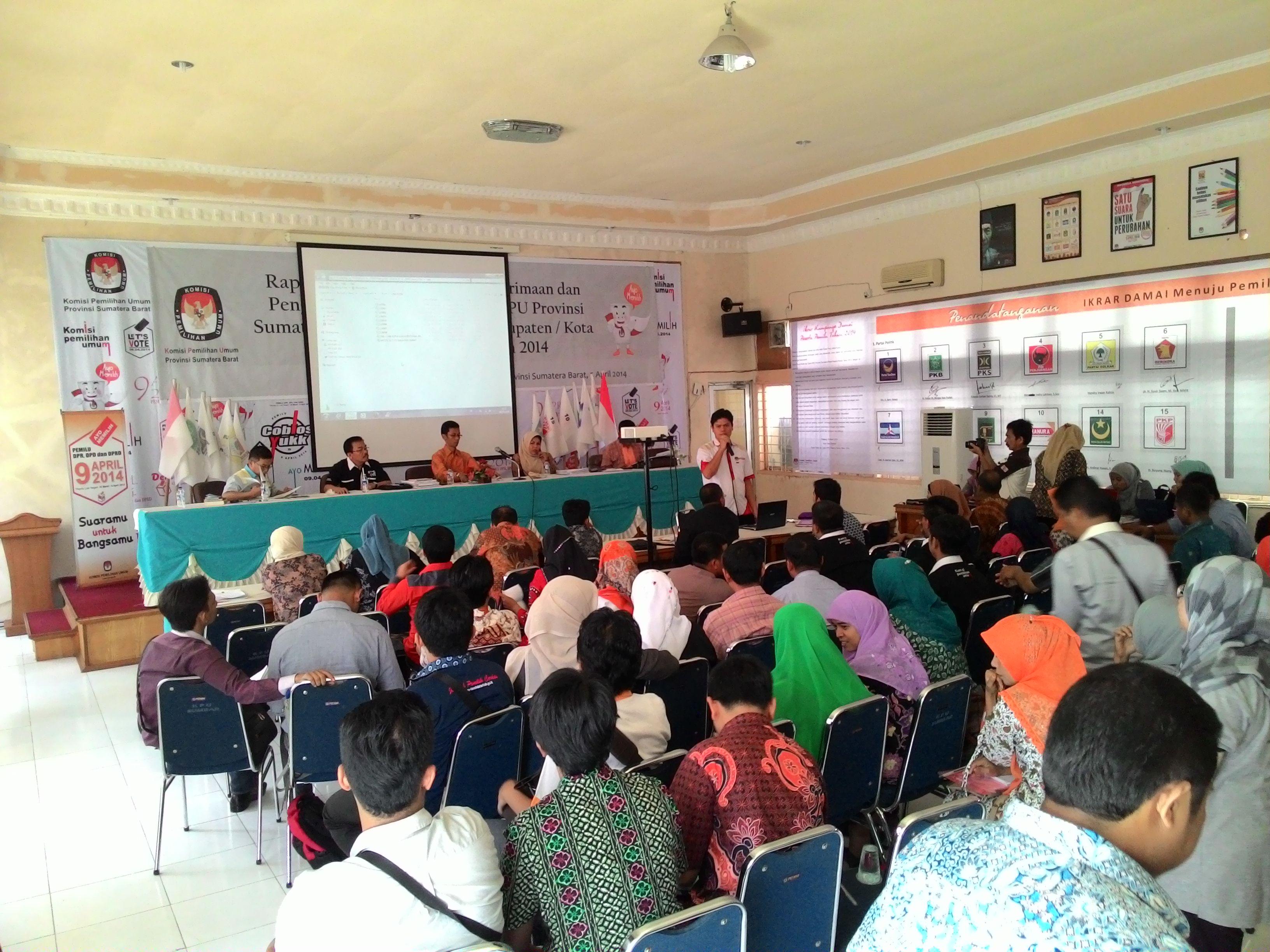 Rapat koordinasi persiapan penetapan Caleg Terpilih di Aula KPU Sumatera Barat. FOTO/HP
