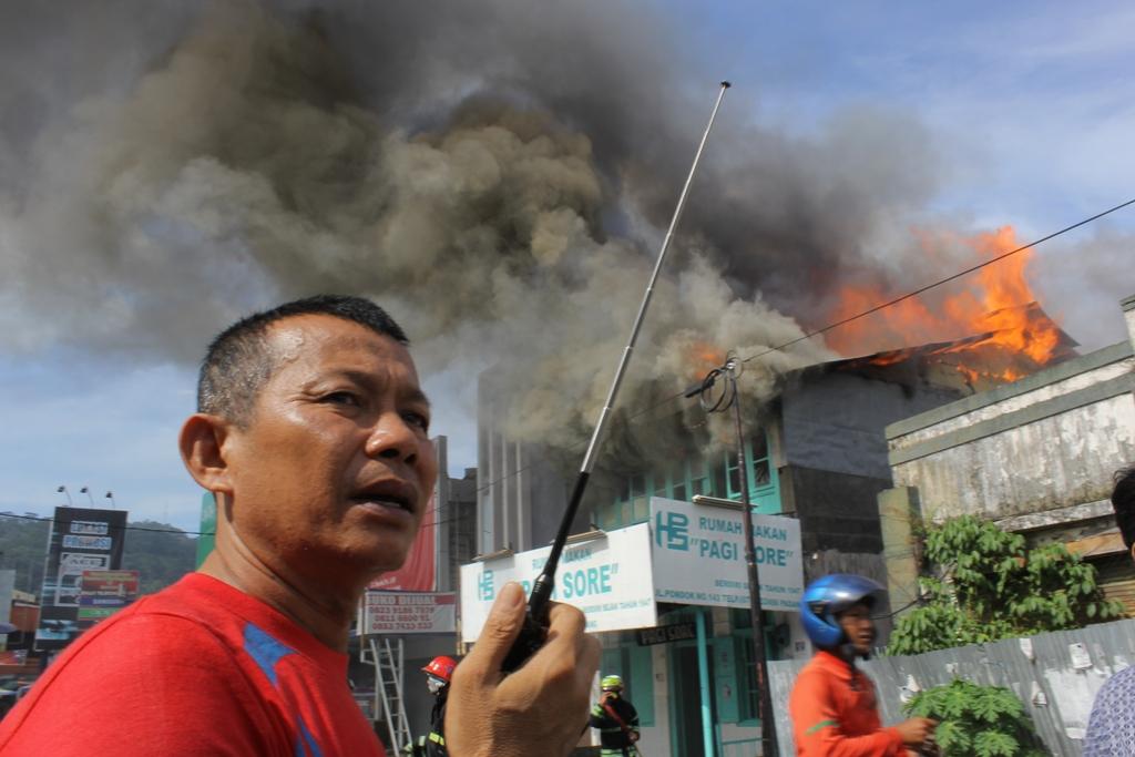 Ilustrasi kebakaran. Kebakaran Rumah Makan Pagi Sore, Pondok, Kota Padang. FOTO/YATHADA