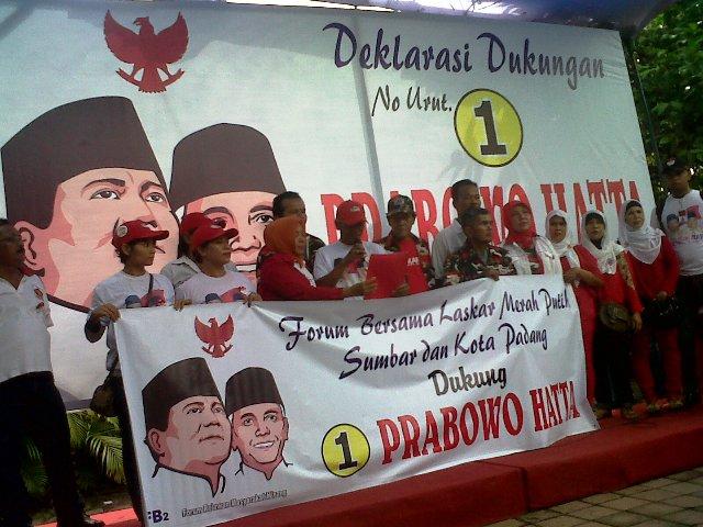 Laskar Merah Putih mendukung Prabowo-Hatta. Foto : KlikSumbar