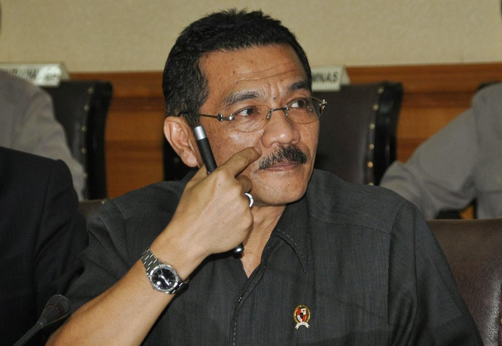 Menteri Dalam Negeri, Gamawan Fauzi.