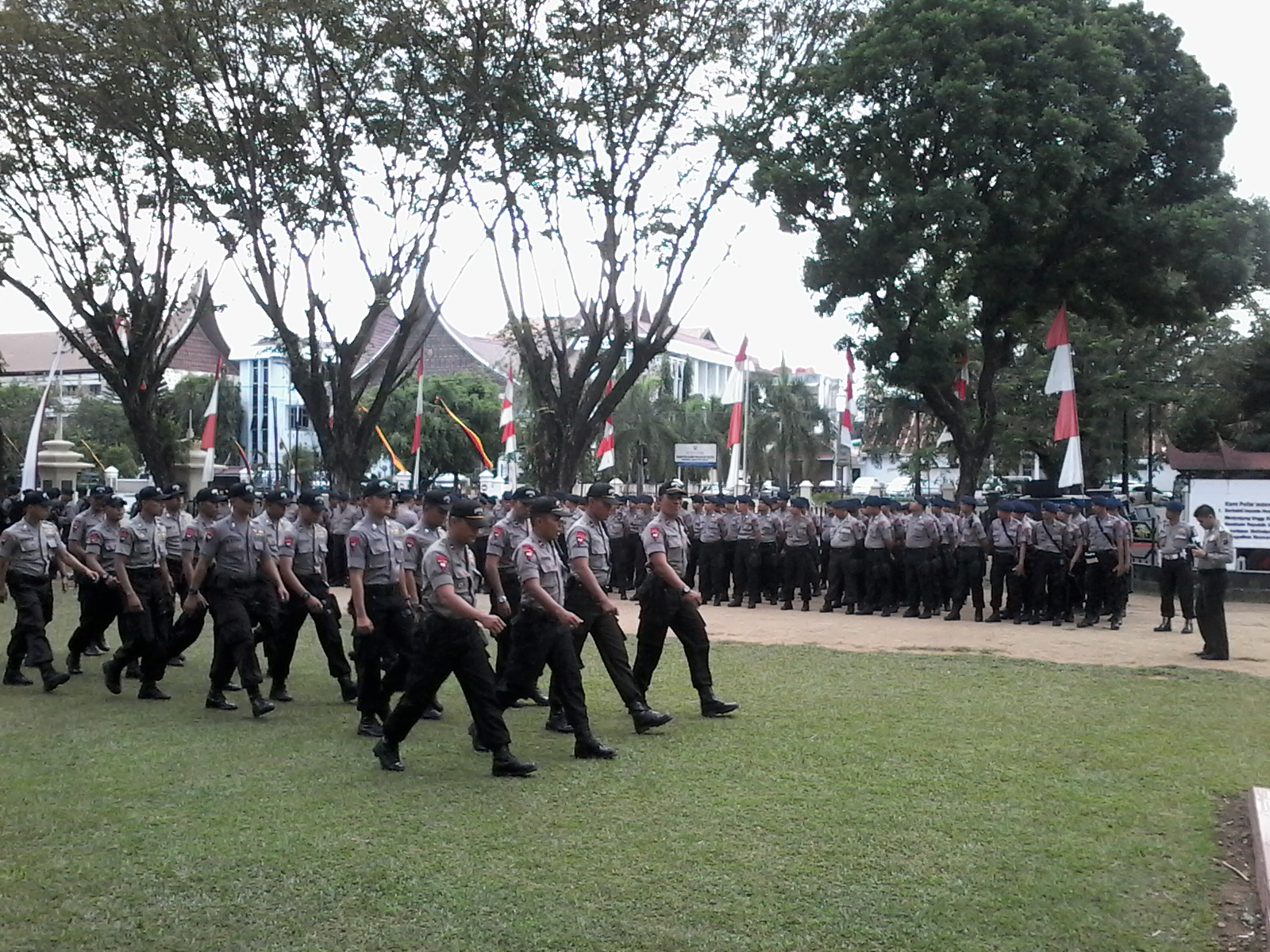 Apel Pagi Siaga 1 Pengamanan kepolisian jelang putusan Mahkamah Konstitusi terkait sengketa Pilpre di Mapolda Sumbar. Foto : Ikhwan
