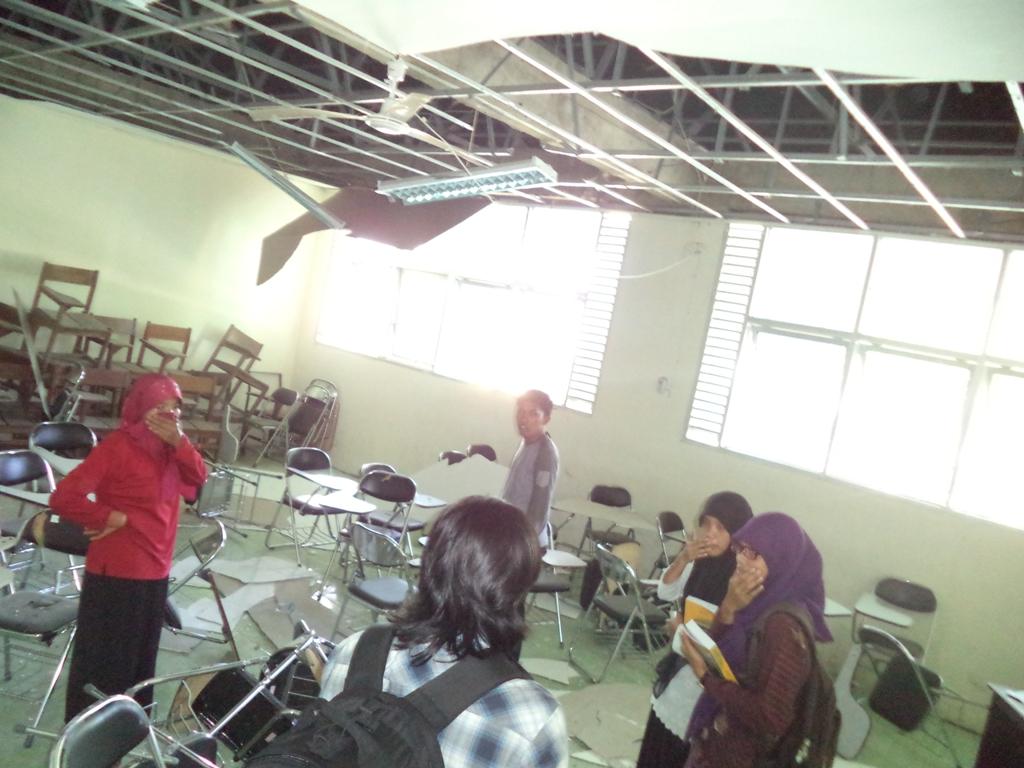 Lokasi ruang kelas planfon yang rubuh.