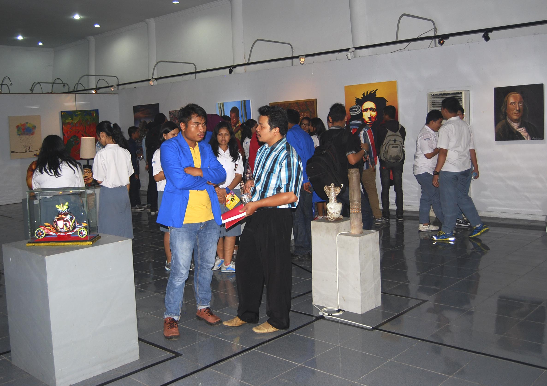 Suasana Pameran Seni Rupa Mahasiswa ISI PadangPanjang di Taman Budaya, Kota Padang. Foto : Istimewa