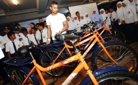 Sepeda bantuan dari ING Bank dan Putera Sampoerna Foundation. Foto : Antara