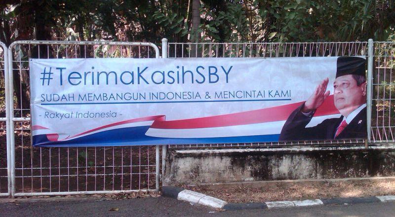 Spanduk 'Terima Kasih SBY' Bertebaran di Cikeas. Foto : Okezone.com