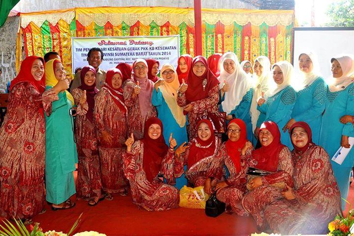 Foto bersama PKK Padang dan Sumatera Barat. Foto : Istimewa