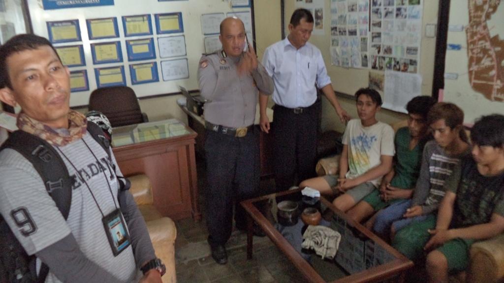 Empat pelaku pemerasan diamankan di Polsek Padang Utara, Kota Padang. Foto : Istimewa
