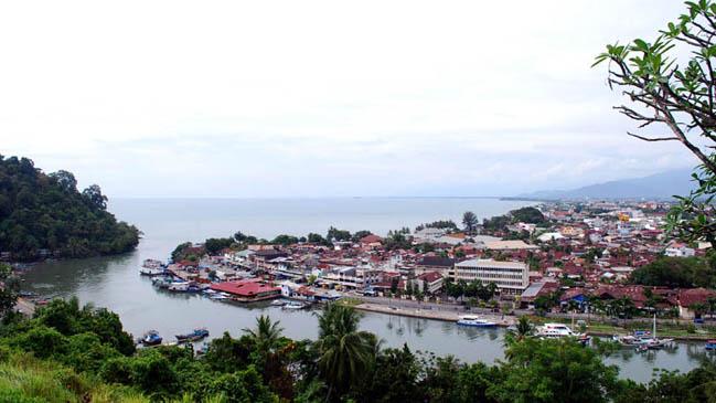 Tampak Atas Salah Satu Sisi Kota Padang Foto: antarasumbar.com