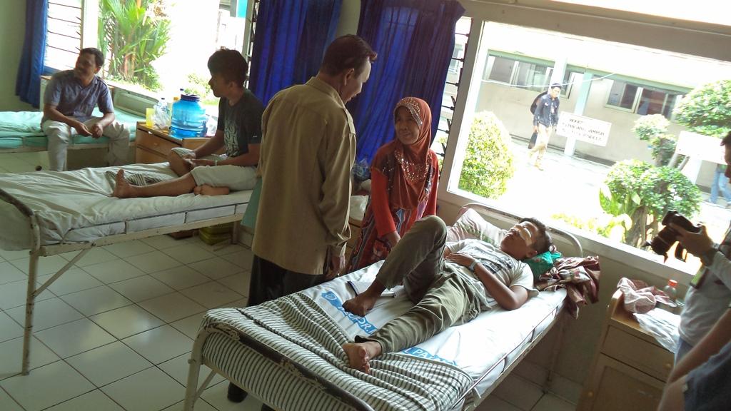 Pasien, Bayu Andika tengah dirawat di rumah sakit M Djamil Padang.