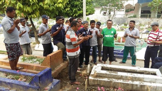 Ramadhan Pohan Bersama Anggota Organisasi Saiyo Sakato Foto: aktual.com